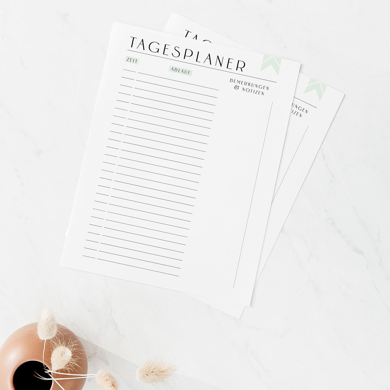 Tagesplan_Vorlage_zum_Ausdrucken_Zeitplan_Agenda_Minimal_Green_Ausfüllbar_PDF